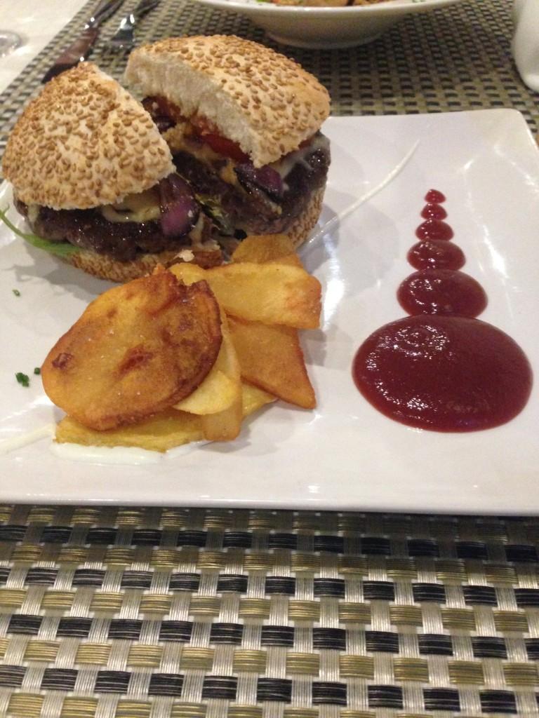 Restaurante Cattabia malaga hamburguesa