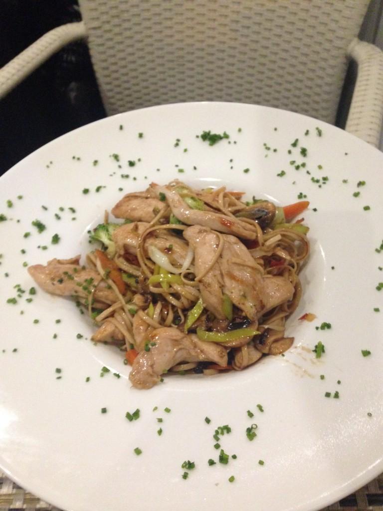Restaurante Cattabia malaga wok de pollo